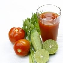 Vegetable Juicing: Discover the incredible benefits of vegetable juice, delightfully healthy juicer recipes and learn how to causes fat to vanish. Healthy Juice Recipes, Juicer Recipes, Healthy Juices, Healthy Foods To Eat, Raw Food Recipes, Diet Recipes, Health Foods, Healthy Soup, Eating Healthy