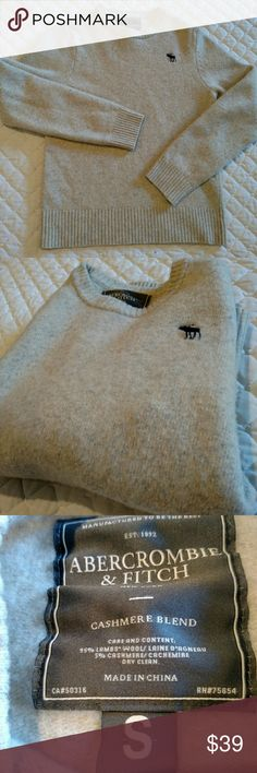 Abercrombie cream cashmere sweater A&F cream cashmere blend sweater.  Looks great, feels even better.  Has a small hole.  If you don't mind or able to fix, it's all yours! Abercrombie & Fitch Sweaters Crewneck