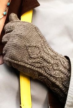 Candy Kane Gloves: Free Knitting Pattern Knitty.com - Deep Fall 2015