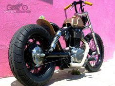 Another pic of the Suzuki S40 bobber made by from zack over at machine-13 in phx.