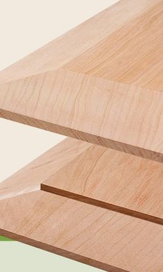 Table Saw Tricks For Making Vertical Cuts: Using the table saw to shape the edges of a workpiece is a snap with a couple of easy-to build accessories and simple techniques. Woodworking Jig Plans, Woodworking Table Saw, Woodworking Jigsaw, Woodworking Techniques, Woodworking Furniture, Table Saw Jigs, Diy Table Saw, Table Saw Accessories, Diy Closet Doors