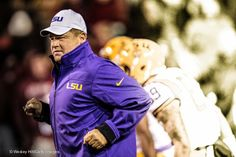 While not wanting to be quoted directly, Les Miles still made it clear Monday night that he's staying at #LSU and that there's nothing to speculation linking him to the Michigan job.