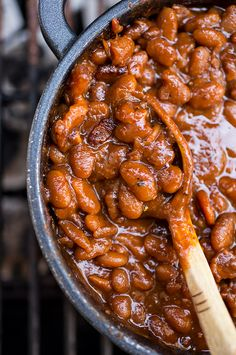 """Get the Sweet 'n Smokey Bourbon """"Baked"""" Beans with Thick-cut Apple Smoked Bacon, Maple & Cracked Black Pepper recipe from The Cozy Apron Incredible BBQ Side Dishes That'll Make You Forget All About The Brisket Joette Bennett joetterb Super Side Dis Bean Recipes, Side Dish Recipes, Party Recipes, Brunch Recipes, Barbecue Sides, Barbecue Area, Barbecue Chicken, Barbecue Sauce, Barbecue Shrimp"""