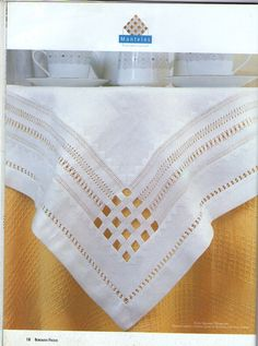 Esquina mantel Hardanger Embroidery, Lace Embroidery, Cross Stitch Embroidery, Embroidery Patterns, Drawn Thread, Brazilian Embroidery, Linens And Lace, Heirloom Sewing, Cutwork