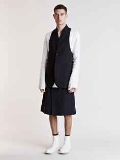 Thamanyah Men's Oversized Waistcoat