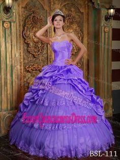Purple Sweetheart Appliqued Dress for Quinceaneras in Taffeta and Tulle Lace