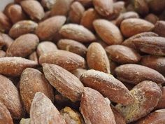 Toasted almonds from Low Carb Keto, Low Carb Recipes, Brown Gravy Recipe Easy, Crepes Nutella, Dessert Glasses, Fruit Parfait, Natural Vitamins, Chocolate Hazelnut, Eating Plans