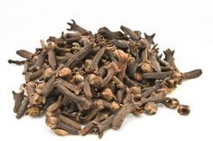 Clove Essential Oil, Best Essential Oils, Pure Essential, Herbal Tinctures, Herbalism, Health Benefits, Health Tips, Health Guru, Oil Benefits