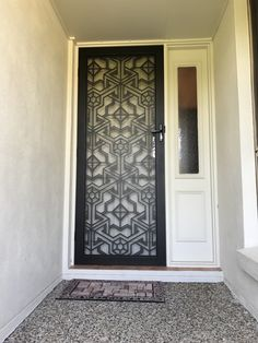 Laser cut screen door 4mm thick aluminium by Decoview.