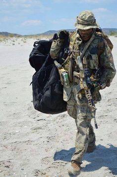 88 fantastiche immagini su Ita Paratroopers modern  d46024a8917c