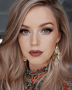 Hazel Eyes Hair Color, Hair Colour For Green Eyes, Hair Color For Fair Skin, Cool Hair Color, Hair Colors, Faux Freckles Makeup, Hair Pale Skin, Hair Color Caramel, Brown Blonde Hair