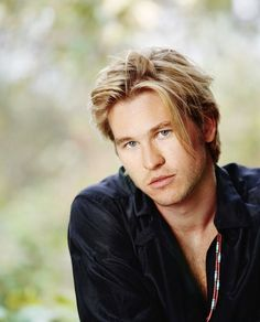 Val Kilmer - It's too bad he's old now..