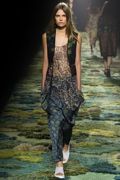 Dries Van Noten Spring 2015 Ready-to-Wear Fashion Show - Caroline Brasch Nielsen (Elite)