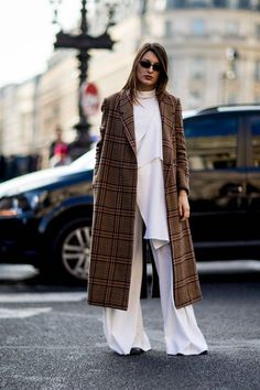 The Best Street Style Looks From Paris Fashion Week Fall 2018 - Fashionista Fashion Mode, Look Fashion, Paris Fashion, Womens Fashion, Fashion Design, Fashion Trends, Fall Fashion, Fashion Blogs, Lifestyle Fashion