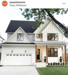 What are your thoughts on this white modern farmhouse style exterior? Style At Home, Dream Home Design, My Dream Home, Dream Life, Traditional Porch, Modern Farmhouse Exterior, Farmhouse Decor, Modern Farmhouse Design, Farmhouse Front