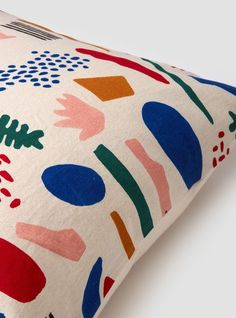 Abstract patterned pillow We are want to say thanks if you like to share this po. Textile Patterns, Textile Design, Print Patterns, Soft Furnishings, Home Textile, Abstract Pattern, Bunt, Decoration, Home Accessories