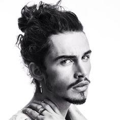 Giaro Giarratana     ✂️ The perfect Men's Hairstyle is just a Hairflip away.