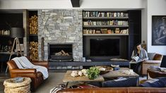 Latest Snap Shots Stone Fireplace hamptons Style 12 indoor stone fireplaces will provide you inspiration to use the beauty of natural stone in creat Fireplace Tv Wall, Fireplace Design, Basement Fireplace, Stone Cladding, Wall Cladding, Die Hamptons, Stone Feature Wall, Cedar Walls, Old Houses