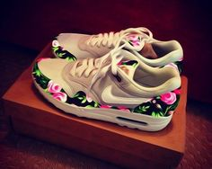 Accessories Shoes: nike airmax