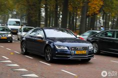 Audi S7.