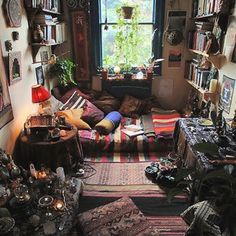 hippy bedroom... cool duuude
