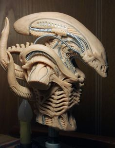 He encontrado este interesante anuncio de Etsy en https://www.etsy.com/es/listing/173833987/alien-xenomorph-concept-bust-sculpture