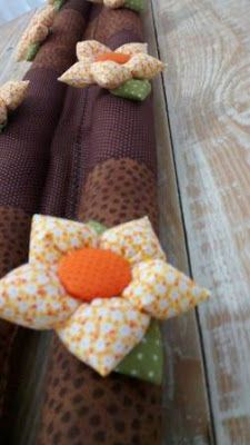 cubre puertas Diy Niños Manualidades, Sewing Projects, Projects To Try, Felt Kids, Door Stopper, Childrens Party, Diy Crafts For Kids, Burlap Wreath, Quilts