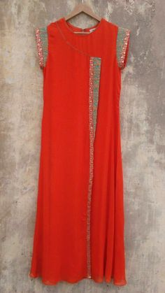 Iranian Women Fashion, Indian Fashion, Kurta Designs, Blouse Designs, Kurti Styles, Salwar Pattern, Gown Party Wear, Long Dress Design, Indian Gowns