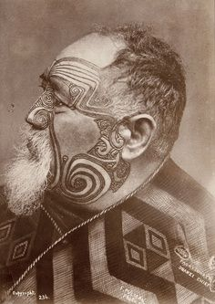 Photo of maori by Elizabeth Pulman (Pulman was a New Zealand photographer. She was born in Lymm, Cheshire, England in Maori Face Tattoo, Ta Moko Tattoo, Maori Tattoos, Neck Tattoos, Samoan Tattoo, Polynesian Tattoos, Sleeve Tattoos, Polynesian People, Maori People