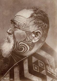 Photo of maori by Elizabeth Pulman (Pulman (1836–1900) was a New Zealand photographer. She was born in Lymm, Cheshire, England in 1836)