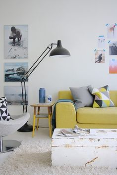 Living room / Yellow / Couch / White / Geometric