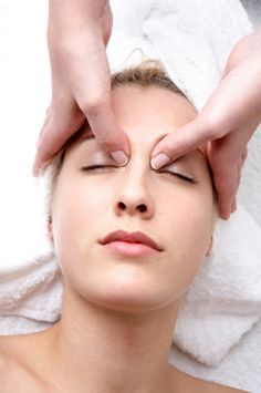 Looking for a glowing and beautiful skin? Then check out this amazing acupressure points for healthy skin. These acupressure points will glow your skin. Acupressure Treatment, Acupressure Points, Eye Floaters Cure, Relieve Sinus Pressure, Sinus Pressure Relief, Eye Sight Improvement, Nasal Congestion, Massage Benefits, Massage Tips