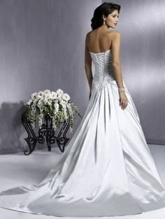 A-line Spaghetti Straps Court Trains Sleeveless Satin Wedding Dresses For Brides