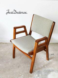 Fotel produkowany przez Bialskie Fabryki Mebli. Zdjęcie by pracownia Jest Dobrze