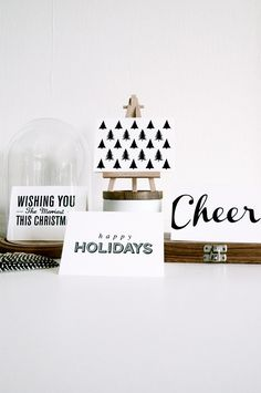 display holiday cards - use tiny easel, so cute