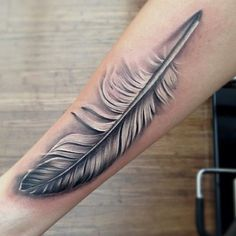Tatouage de plumes sur l'avant-bras, #avant #plumes #tatouage