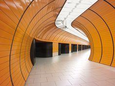 Photo Book: Die Schönheit verlassener U-Bahnhöfe | Munich, Marienplatz