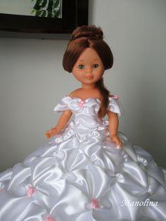 Este blog está dedicado a la muñeca Nancy en particular, ella va a ser el eje en torno al cual iré introduciendo el resto de mis aficiones, espero que paséis un buen rato visitándolo. American Doll Clothes, Girl Doll Clothes, Girl Dolls, How To Make Clothes, Diy Clothes, Ropa American Girl, Nancy Doll, Journey Girls, Bride Dolls