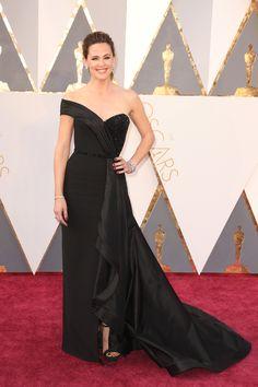 Jennifer Garner in Atelier Versace | Oscars 2016