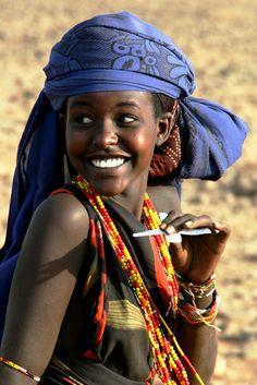 African women of kenya - Bing images Beautiful Smile, Black Is Beautiful, Beautiful World, Beautiful People, African Beauty, African Women, African Children, African Girl, Art Children