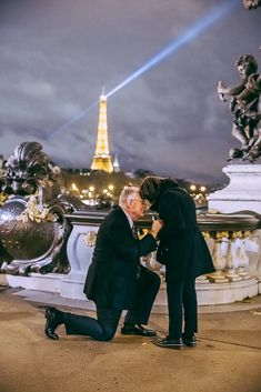 The most touching proposal you've ever seen Romantic Ways To Propose, Most Romantic, Proposal Photos, Eiffel, Paris Photos, Louvre, Photoshoot, Touch, Engagement