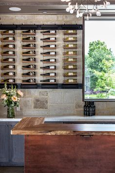 Wine Rack Storage, Wine Rack Wall, Wine Wall, Wine Bar Design, Cellar Design, Glass Wine Cellar, Home Wine Cellars, Whiskey Room, Dining Room Table Decor