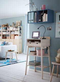 Un mini bureau design, IKEA Bureau Design, Ikea Inspiration, Ikea 2017 Catalog, Hacks Ikea, Stand Up Desk, Ikea Home, Home Office Furniture, House Rooms, Office Decor