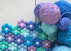 You will love to make this Crochet Puff Stitch Flower Pattern and you can make all sorts of fabulous creations with it. Watch the video now. Crochet Puff Flower, Puff Stitch Crochet, Crochet Hook Set, Crochet Flower Patterns, Crochet Blanket Patterns, Crochet Flowers, Crochet Crafts, Crochet Projects, Beginning Crochet