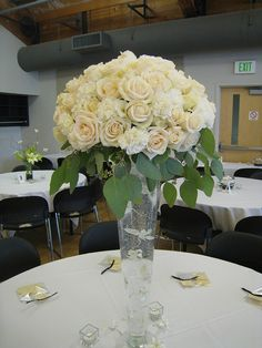 in love with all white/ivory flowers!