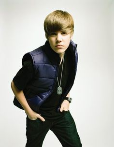 Los Angeles: Troubled singer Justin Bieber has been accused of an attempted robbery by an unnamed woman. The pop star is being investigate. Justin Bieber Posters, Justin Bieber Pictures, Justin Bieber Style, Babe, Justin Bieber Wallpaper, Face Swaps, Celebrity Faces, Fine Men, Comedians