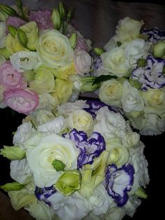 Pastel colours wedding flowers by Tango Flowers