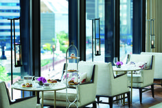 Embracing our classic Langham heritage, The Langham, Chicago offers guests its signature high tea experience, Afternoon Tea with Wedgwood with a selection of proprietary Langham teas and an array of sweet and savory bites at the Pavilion. Book now. Chicago Hotels, Downtown Hotels, Luxury Interior, Luxury Furniture, Interior Design, Cafe Design, Langham Hotel, Most Luxurious Hotels, Afternoon Tea