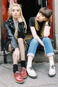 Punk grunge fashion- yes, thats raw style diesel punk, suicide girls, punkr Diy Outfits, Hip Hop Outfits, Hipster Outfits, Mode Outfits, Fashion Outfits, Soft Grunge, Grunge Style, Hipster Style, Dr. Martens