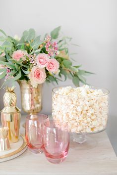 A very Pink Party – It's a Sparkly Life I really like this idea of putting popcorn in a trifle bowl. Both low key and fancy Valentines Day Party, Valentines Day Decorations, Diy Valentine, Pink Party Decorations, Pink Parties, Birthday Parties, Classy Birthday Party, Fancy Party, Bar A Bonbon